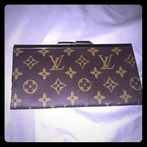 Louis Vuitton pouch price negotiable